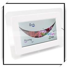 480 x 234DPI 7 Inch Wide Screen TFT LCD Big Digital Photo Frame White