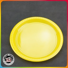 disposable colorful plastic plates
