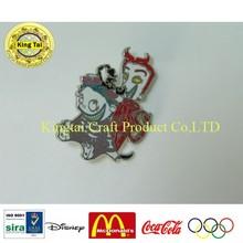 2015 new design metal badge soft enamel