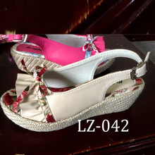 Pretty white and red colors pictures of high heel sandal for girls