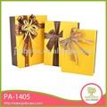 El cuadro amarillo pa-1405 satinado arco de la cinta