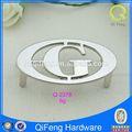 Q-2378 logotipo de la empresa de diseño de metal de encargo de la etiqueta privada con letra g forma ovalada