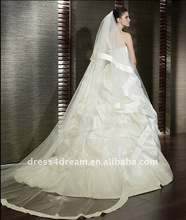 Teffeta bubbled ball gown wedding dresses with train with long veil