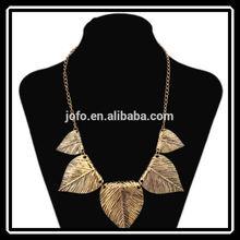 2014 Hot Sale Simple Beautiful European Style 5 Leaves Short Vintage Chrismas Gift Necklace