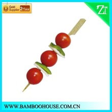 A buffet party, barbecue party is most suitable for the bamboo skewers