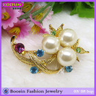 Fashion Pearl Crystal Flower Brooch and Pin Gold Plated Wedding Jewelry #5737