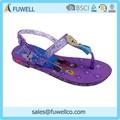 El último diseño de inyección de eva de la sandalia de importación