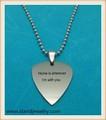 """De acero inoxidable de selección de la guitarra grabado con texto personalizado Custom selección de la guitarra w / 24 """" cadena de la bola de collar"""