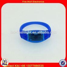 Custom NFC RFID Thin Silicone Wristband Remote Controlled Thin Silicone Wristband For Concert Event