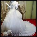 Frete grátis 2015 v- pescoço cap manga vestido de baile em camadas de cauda longa mão frisada de luxo árabe vestido de casamento da foto