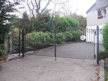 GYD-15G0239 Very cheap and simple outdoor wrought iron main gates and posts