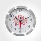 2015 Luxury Fantastic Metal Wall Clock of Simple Design