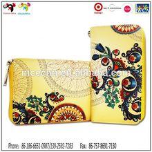 China chairman Xijinping's wife Pengliyuan use new products ladies purse wallet tri fold