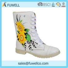 Fashional beautiful flowers pattern 2015 white snow boot