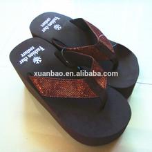 De China de importación y exportación de productos de mujeres de moda zapatillas