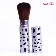 retractable makeup brush 065