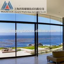 elegante diseño de muro cortina de vidrio