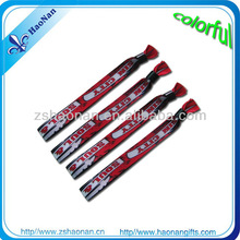 2015Gold Supplier 100% quality control fashional fabric print wristbands holiday