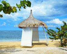 la atmósfera tropical de la hoja de paja para techos de paja palapa para paraguas
