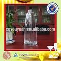 Fashional 700 ml triangular botella de vidrio para vodka