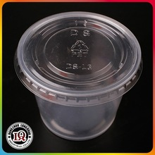 5.5 Ounce Plastic Disposable Jello Shot Cups with lids