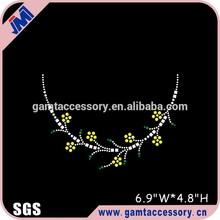 Beautiful necklace rhinestone & nailhead transfer