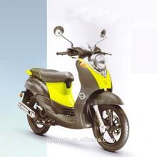 Quiana vespa scooter