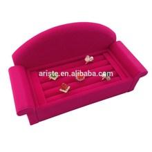 New Design Sofa Shape Rose Pink Velvet Ring Display Holder Stand AR7590