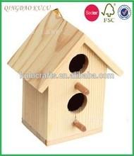 Sin terminar de madera de keychain del birdhouse para talla, Creación y decoración