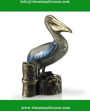 Bronze pelican sculpture for garden decor