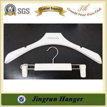 Alibaba Hanger Supplier New Plastic Hangers with Shoulder Pads