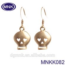 Ebay new fashion style , gold stainless steel skull earring for Unisex