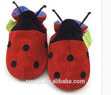 hermosa suave suela de lona calzado bebé recién nacido con forma de animal