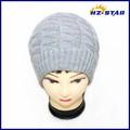 Hzm-10548006 de doble capa de tejido de punto patrón de cable de punto beanie sombrero ruso de la mujer