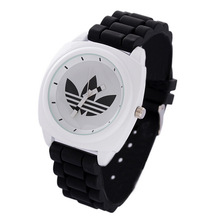 2014 vogue silicon watch quartz watch in 8colors