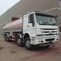 Modelo 2015 8x4 howo camión tanque de aceite, aceite de llevar petroleros para la venta