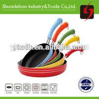 Non-stick pan with temperature sensor