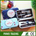 profissional manicure e pedicure salão de móveis ou instrumento