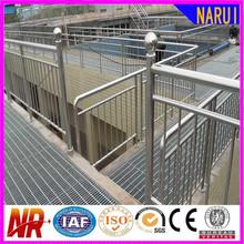 ชั้นบันไดตะแกรงเหล็กน้ำหนักขายร้อนในประเทศจีน