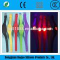 Venta al por mayor 2015 china suppiler de regalo promocional de silicona deporte pantalla táctil led cuadrados reloj unisex táctil- activado reloj deportivo