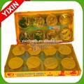 doble capa de la moneda de oro de una variedad de dulces y productos de chocolate