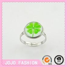 Four Leaf Clover plastic ring for girls