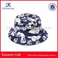 La costumbre de fondo azul y blanco de color florales sombrero del cubo y tapa/logotipo de oem y el diseño de bienvenida