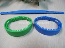 RFID Tags Definition, RFID Silicone adjustable Wristband