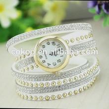 New design women vintage leather strap watches,set auger rivet bracelet women dress watches,women wristwatches