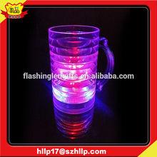 supply 2015 hot promotional beer mug with handle led flahsing lights plastic beer mug
