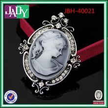 2015 Wholesale bridal Fashion design best quality bulk rhinestone brooch for lady pin brooch