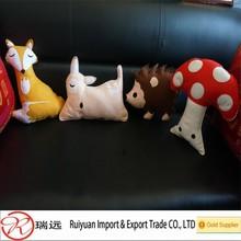 2015 Alibaba new arrival customized design felt pillow