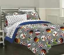 2015 popular 100%polyester football printed bedspread for boys