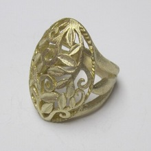 Elegant and beautiful female copper ring